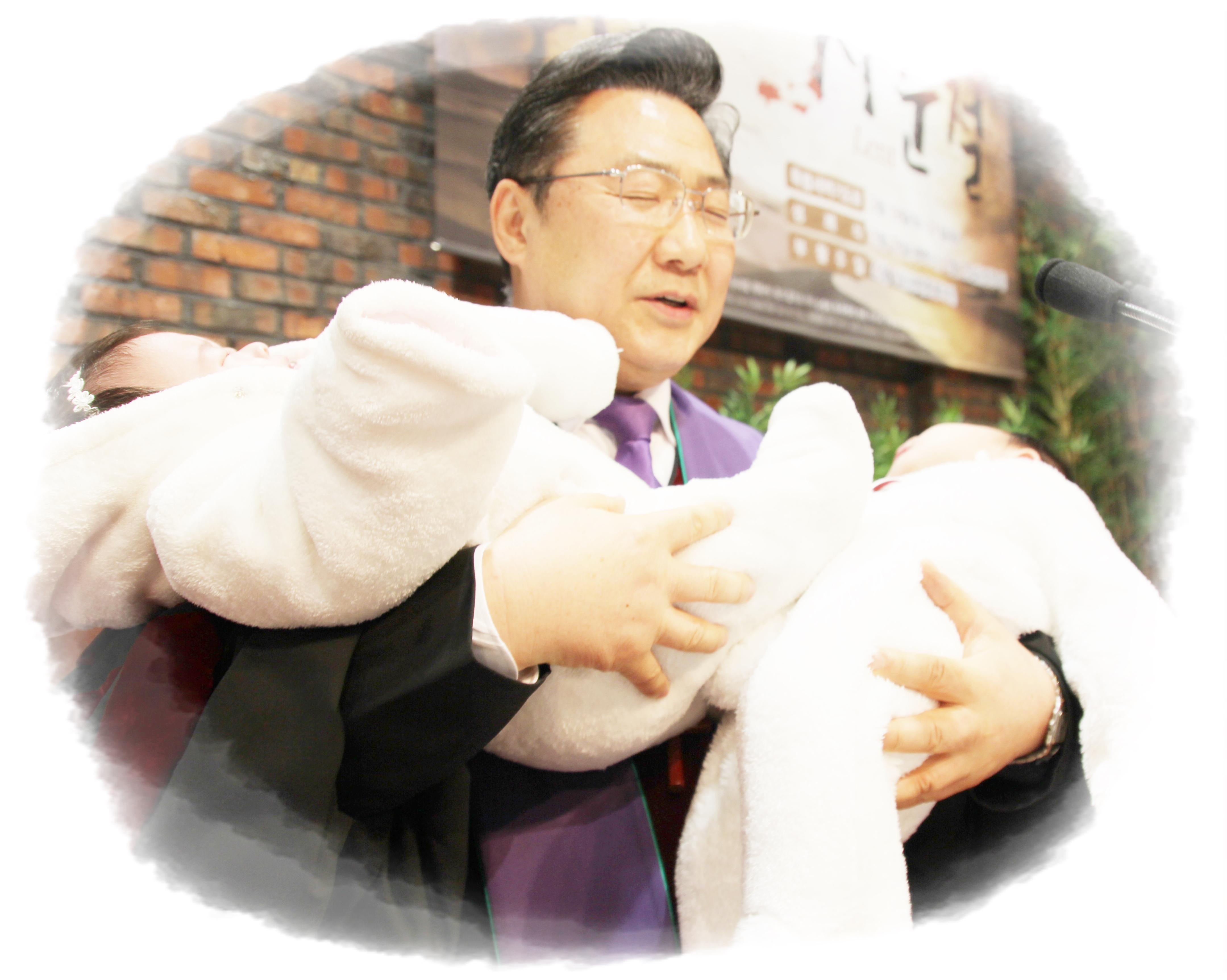 3월24일 홍라준  홍라희 아기.jpg